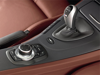"""BMW отзывает в США 2500 автомобилей BMW M3 из-за проблем с """"роботом"""""""