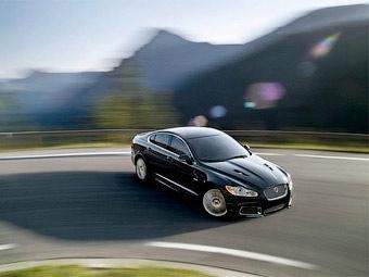 """Jaguar научит своих клиентов ездить на """"заряженных"""" XFR и XKR"""