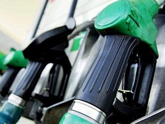 Цены на бензин в США достигли своего трехлетнего минимума