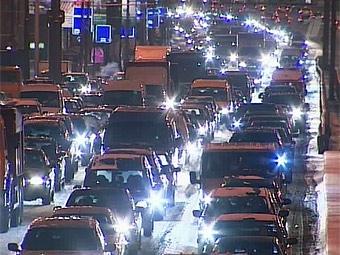 Иномарки вытесняют отечественные машины из Москвы