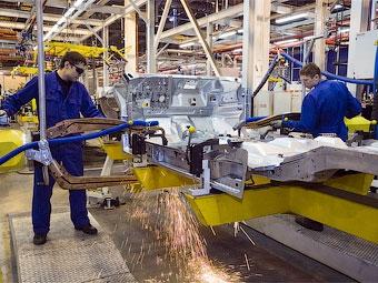 Российские автозаводы возобновили работу после каникул