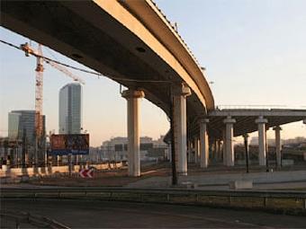 Кризис приостановил строительство дорог в Москве