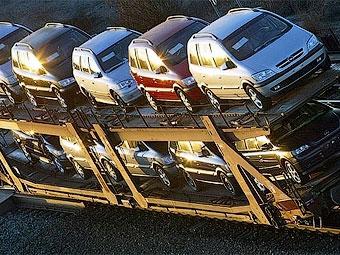 Импорт легковых автомобилей в Россию в апреле сократился в четыре раза