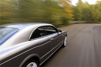 Bentley будет использовать дизельные и гибридные двигатели