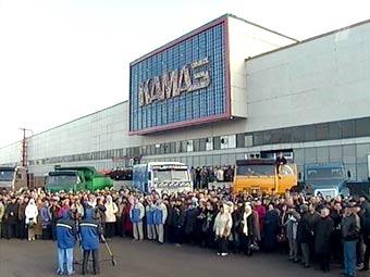Путин предложил выпускать по 2 миллиона автомобилей в год
