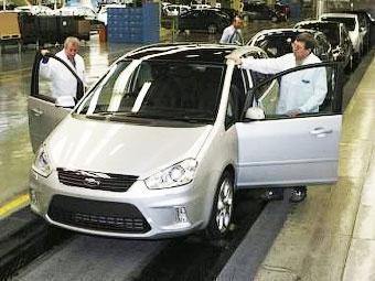 Ford перенесет производство модели C-Max в Испанию
