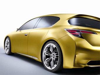 Компания Lexus показала фрагмент нового хэтчбека