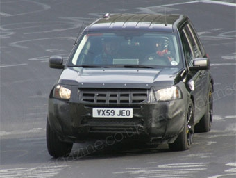 Land Rover начал испытания компактного кроссовера Range Rover