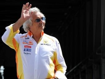 Флавио Бриаторе заинтересовался покупкой команды Renault