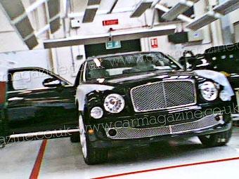 Появились фотографии нового флагманского седана Bentley