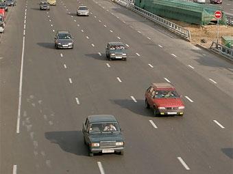 Москвичей призывают пересесть с автомобилей на общественный транспорт
