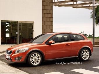 В интернете появились фотографии обновленного Volvo C30