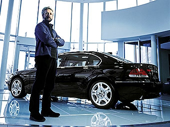 Шеф-дизайнер BMW Крис Бэнгл решил бросить автомобильный дизайн