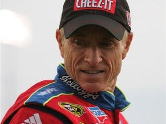 50-летний ветеран NASCAR проведет в следующем году полный сезон в Sprint Cup