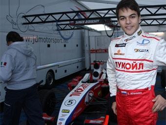 Российский гонщик протестирует автомобиль DTM