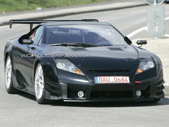 Lexus испытывает гоночную версию суперкара LF-A