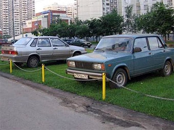 В Ульяновске незаконные парковки засадят деревьями