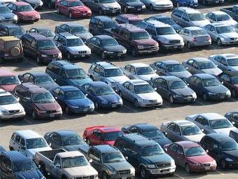 Продажи новых автомобилей в США откатились на уровень 27-летней давности