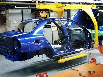 Продажи автомобилей на Украине упали на треть