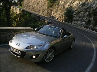 Родстер Mazda MX-5 нового поколения станет легче и спортивнее