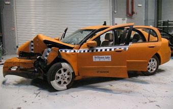 Китайский седан Brilliance BS6 стал немного безопаснее