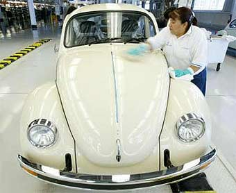 Volkswagen прекращает производство классического VW Beetle