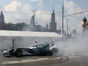 "Култхард и Накаджима проедут на болидах ""Формулы-1"" по центру Москвы"