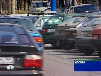 Автомобилистам запретят парковаться в центре Москвы