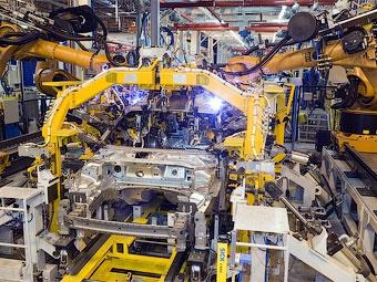 Российские заводы Ford и Toyota отправят персонал на каникулы