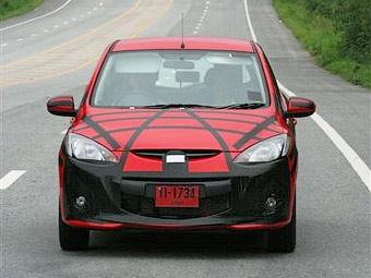 Обновленный хэтчбек Mazda2 готовится к дебюту