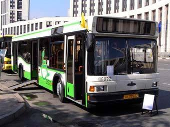 К 2015 году все московские автобусы приспособят для инвалидов