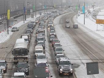 Утренние пробки в Москве оказались самыми длительными в году