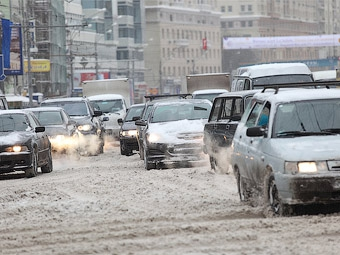 Москвичей попросили не садиться за руль перед Новым годом