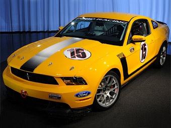 Компания Ford отправила на трек спорткупе Mustang с новым V8