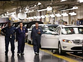 Ford заплатит уволившимся рабочим по 70 тысяч долларов