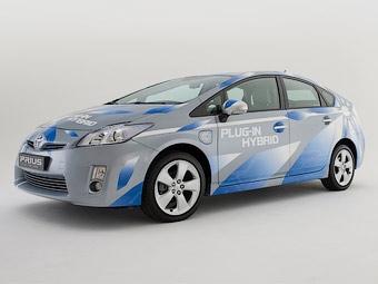 Toyota построит для тестов 500 подзаряжаемых от розетки гибридов Prius