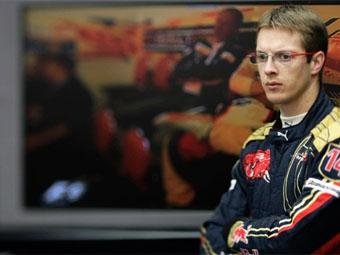 Себастьен Бурдэ продлил контракт с Toro Rosso