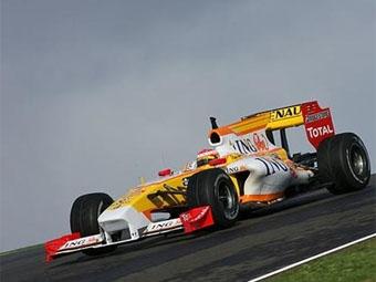 Команда Renault может отложить вылет в Мельбурн из-за тестов