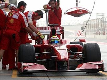 У Ferrari возникли проблемы с коробкой передач на тестах в Бахрейне
