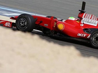 Фелипе Масса стал быстрейшим во второй день тестов в Бахрейне