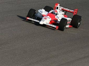 У гонщиков возникли проблемы с шинами на тестах IndyCar