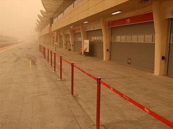 Тесты в Бахрейне были прерваны из-за песчаной бури