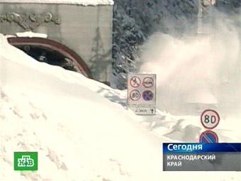 Транскам закрыли из-за непрекращающегося снегопада