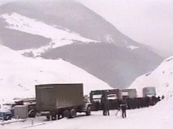 Транскам перекрыли из-за опасности схода лавины