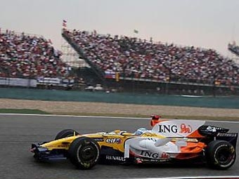 Фернандо Алонсо останется в Renault еще на два года