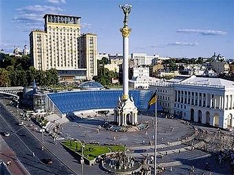 Автомобилисты перекрыли улицы в центре Киева