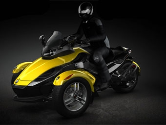 Bombardier начал выпуск нового трехколесного мотоцикла