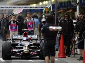 Команда Toro Rosso подтвердила участие трех гонщиков в тестовой сессии