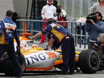 "Команда Renault пригрозила покинуть ""Формулу-1"""