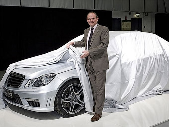 """Немецкий журнал показал """"нос"""" 525-сильного седана Mercedes-Benz E63 AMG"""